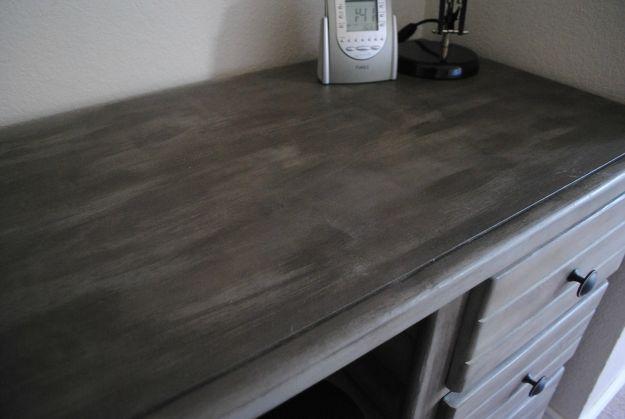 desk.3