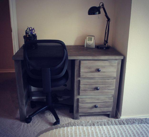 desk.6