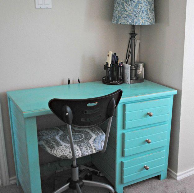 desk.7